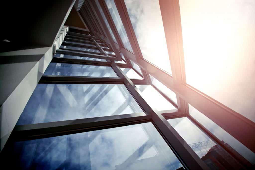 כך תבחרו את החברה שלכם לניקוי חלונות בגובה