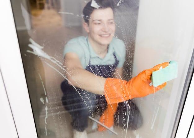 טיפים לניקוי חלונות ותריסים