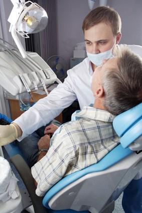 איך בוחרים רופאים לשיפור הפה