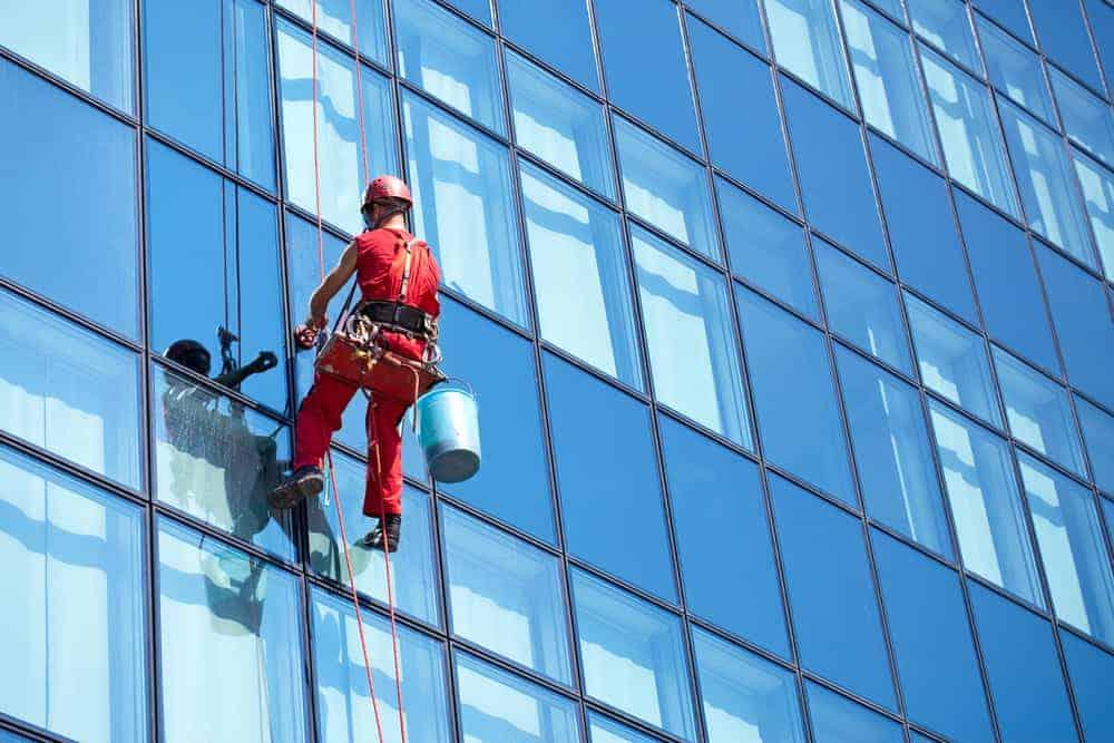 ניקוי חלונות בגובה - מחיר